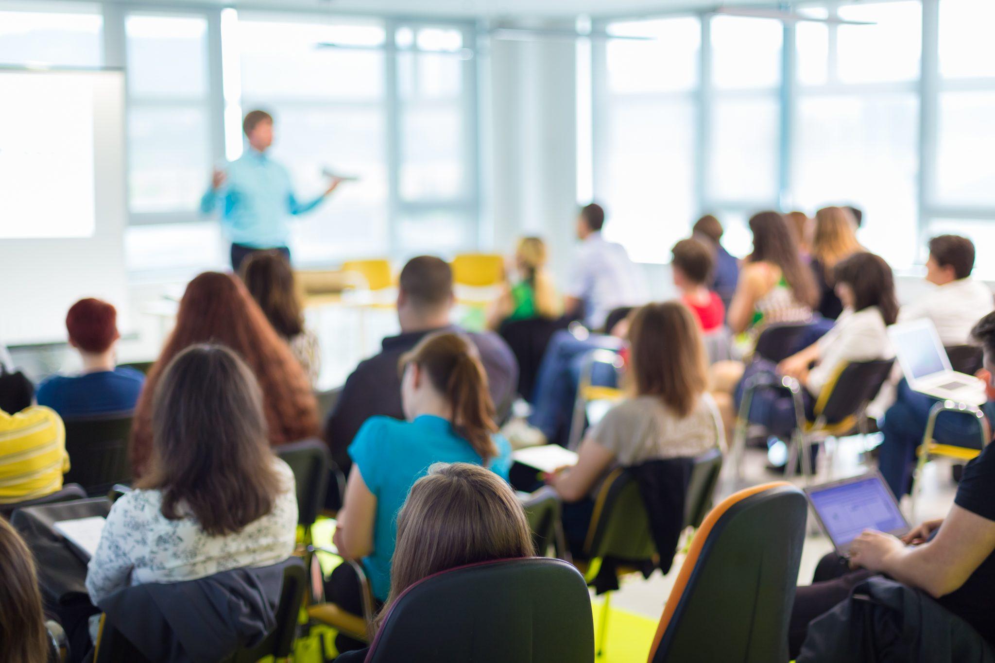 BlueBall Academy - szkolenie z ergonomii dla pracowników biurowych